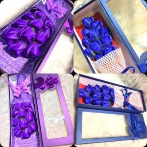 Hộp hồng hoa sáp 11 bông